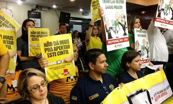 Paulo Olympio alerta sobre possível estratégia do governo de arquivar os projetos de recomposição
